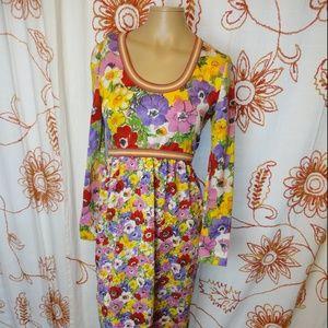 Dresses & Skirts - Vtg Multi-Color Floral Long Sleeve Midi Dress